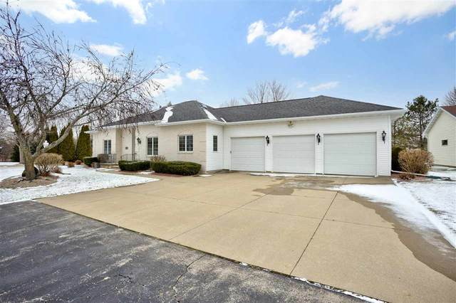 W2553 Ridgebrook Court, Appleton, WI 54915 (#50233644) :: Dallaire Realty