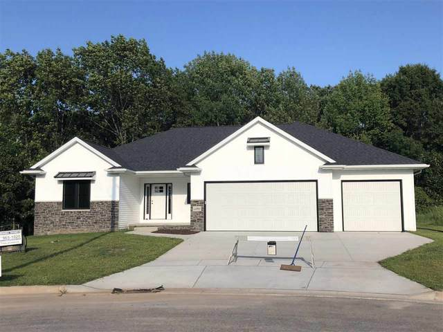 928 Mendota Drive, Green Bay, WI 54311 (#50233724) :: Todd Wiese Homeselling System, Inc.