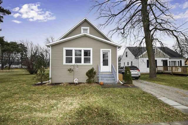 220 E Pulaski Street, Pulaski, WI 54162 (#50233727) :: Todd Wiese Homeselling System, Inc.