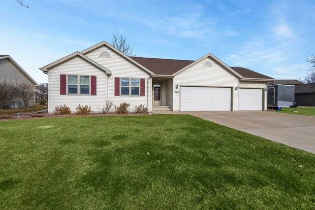 2412 Trefoil Court, Menasha, WI 54952 (#50233739) :: Todd Wiese Homeselling System, Inc.