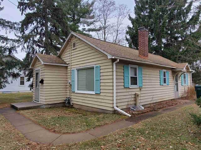 724 7TH Street, Waupaca, WI 54981 (#50233762) :: Todd Wiese Homeselling System, Inc.