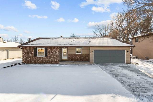 110 Alexander Drive, Neenah, WI 54956 (#50233875) :: Todd Wiese Homeselling System, Inc.