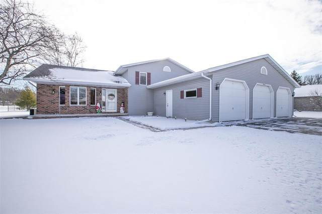 W2607 Ruby Court, Appleton, WI 54915 (#50233876) :: Todd Wiese Homeselling System, Inc.