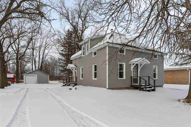 1139 Grosse Road, Little Suamico, WI 54141 (#50233907) :: Dallaire Realty