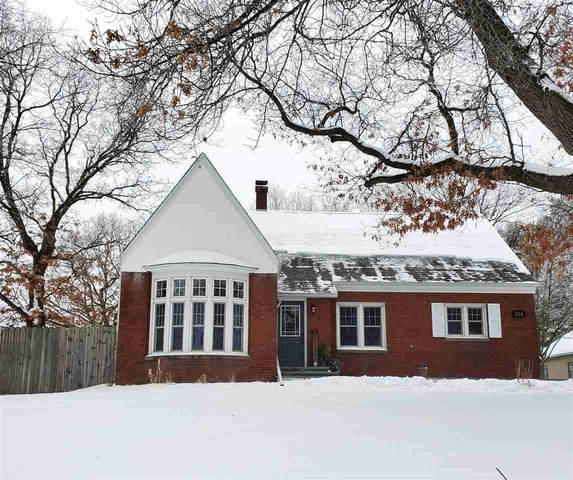 416 High Street, Waupaca, WI 54981 (#50233977) :: Todd Wiese Homeselling System, Inc.