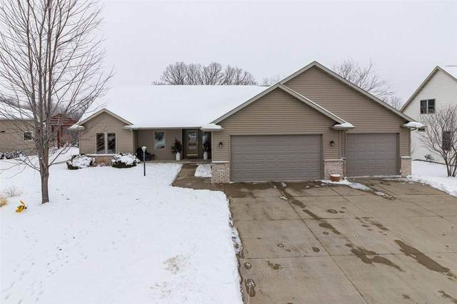 1984 Creek Side Drive, Neenah, WI 54956 (#50234046) :: Todd Wiese Homeselling System, Inc.