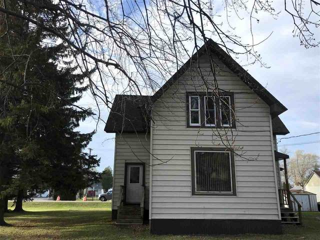 313 S Warrington Avenue, Cecil, WI 54111 (#50234089) :: Todd Wiese Homeselling System, Inc.