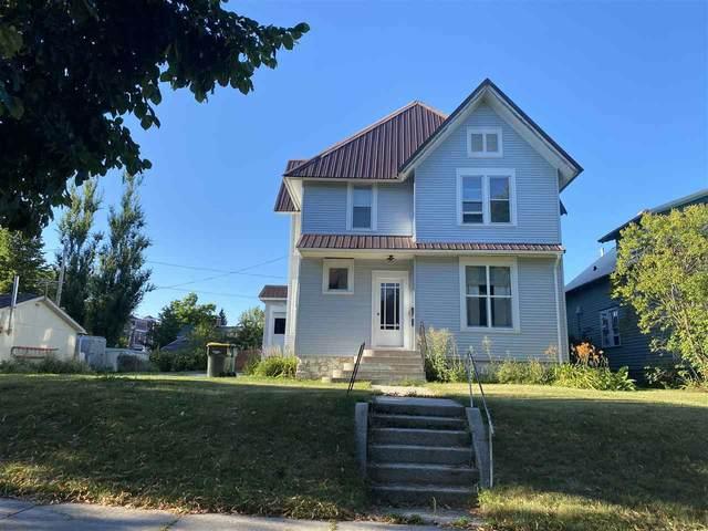 317 Center Street, Kewaunee, WI 54216 (#50234157) :: Todd Wiese Homeselling System, Inc.