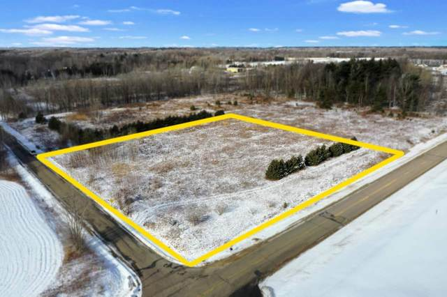 Wood Brook Circle, Little Suamico, WI 54141 (#50234163) :: Carolyn Stark Real Estate Team