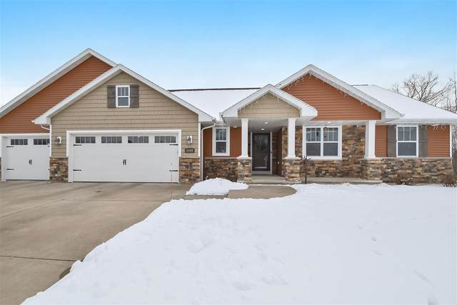 2549 Honey Clover Court, Suamico, WI 54313 (#50234164) :: Dallaire Realty