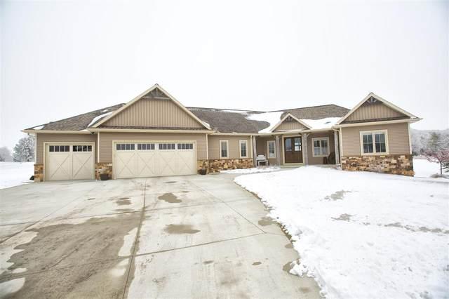 W5351 Bowe Lane, Fond Du Lac, WI 54937 (#50234167) :: Todd Wiese Homeselling System, Inc.