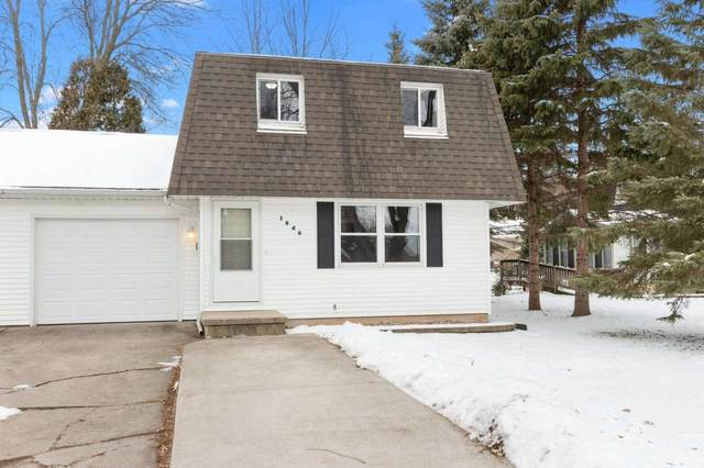 1040 S 7TH Street, De Pere, WI 54115 (#50234217) :: Ben Bartolazzi Real Estate Inc