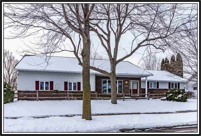 4301 N Woodridge Drive, Appleton, WI 54913 (#50234295) :: Dallaire Realty