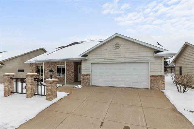 3834 N Crosscreek Circle, Appleton, WI 54913 (#50234327) :: Dallaire Realty