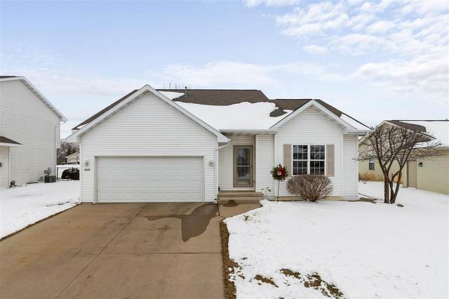 3213 Bellfield Drive, Oshkosh, WI 54904 (#50234349) :: Todd Wiese Homeselling System, Inc.