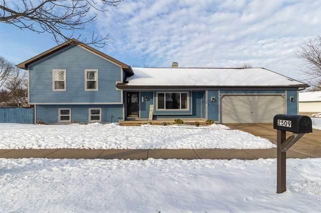 2509 S Driftwood Lane, Appleton, WI 54915 (#50234383) :: Town & Country Real Estate