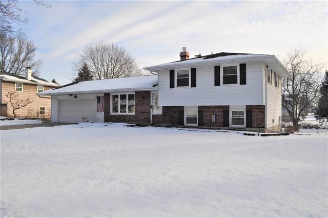 2572 Hillside Lane, Green Bay, WI 54302 (#50234403) :: Todd Wiese Homeselling System, Inc.
