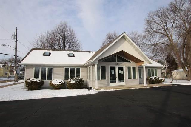 617 Knapp Street, Oshkosh, WI 54902 (#50234429) :: Todd Wiese Homeselling System, Inc.
