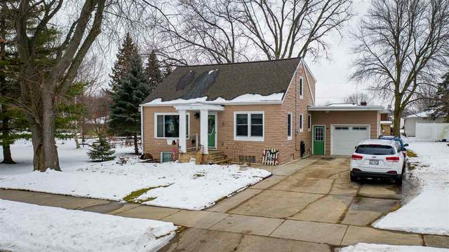 137 Grant Street, Kaukauna, WI 54130 (#50234466) :: Todd Wiese Homeselling System, Inc.