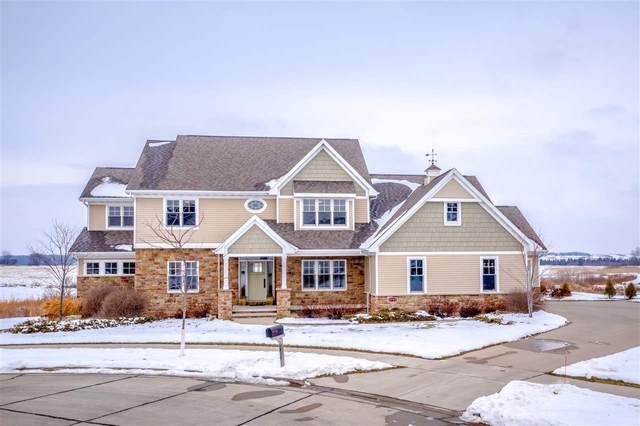 5750 N Summerland Drive, Appleton, WI 54913 (#50234469) :: Todd Wiese Homeselling System, Inc.