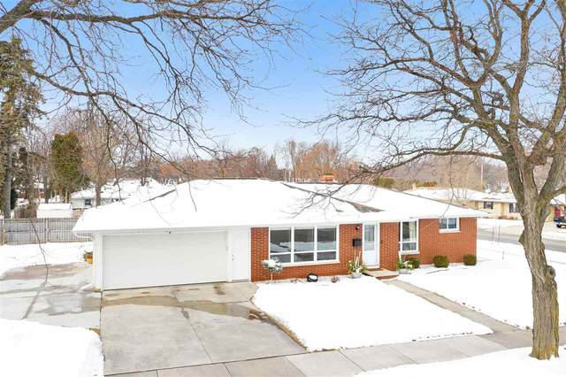 1624 S Locust Street, Green Bay, WI 54304 (#50234471) :: Town & Country Real Estate