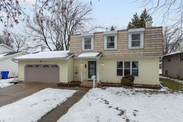 1212 W Grant Street, Appleton, WI 54914 (#50234498) :: Todd Wiese Homeselling System, Inc.