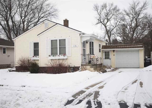 1948 Michigan Street, Oshkosh, WI 54901 (#50234585) :: Todd Wiese Homeselling System, Inc.