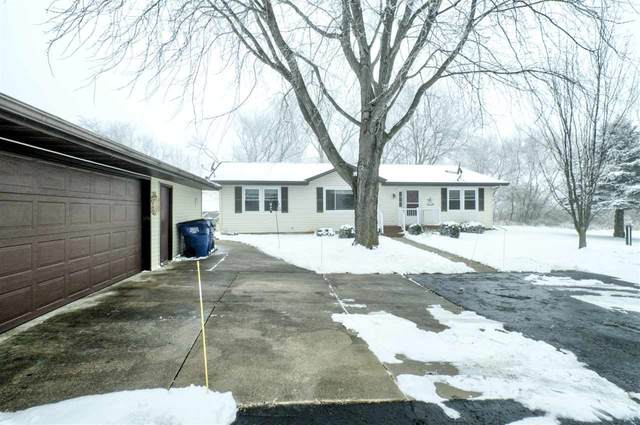 N4951 Hample Road, Black Creek, WI 54106 (#50234596) :: Town & Country Real Estate