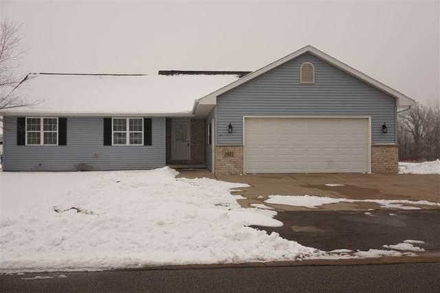1021 Durham Lane, Menasha, WI 54952 (#50234650) :: Todd Wiese Homeselling System, Inc.