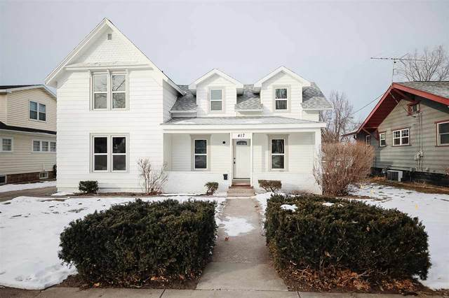 417 W Beacon Avenue, New London, WI 54961 (#50234654) :: Todd Wiese Homeselling System, Inc.