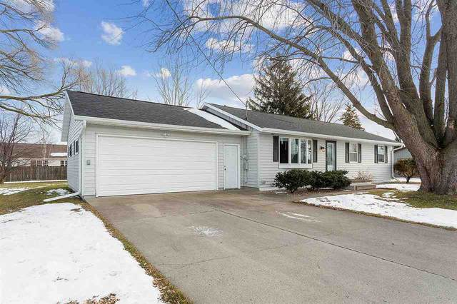 5026 N French Road, Appleton, WI 54913 (#50234655) :: Todd Wiese Homeselling System, Inc.