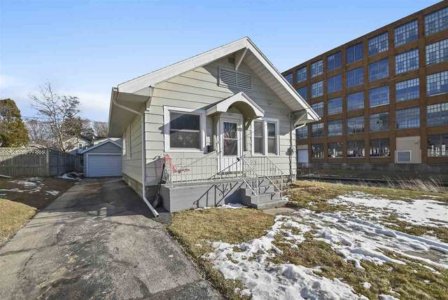 829 S 25TH Street, Manitowoc, WI 54220 (#50234678) :: Dallaire Realty