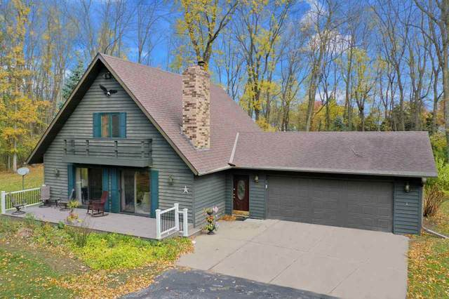 2723 Summerset Circle, Suamico, WI 54173 (#50234695) :: Carolyn Stark Real Estate Team