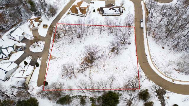 901 Charles Wright Drive, Waupaca, WI 54981 (#50234718) :: Symes Realty, LLC