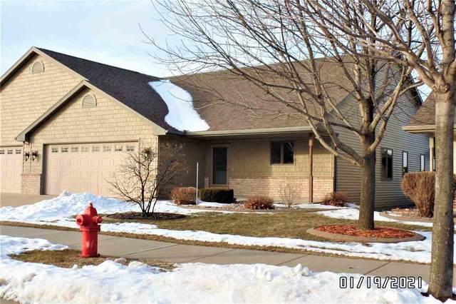 526 Villa Drive, Kimberly, WI 54136 (#50234756) :: Carolyn Stark Real Estate Team