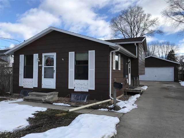 2322 Jefferson Street, Oshkosh, WI 54901 (#50234770) :: Carolyn Stark Real Estate Team