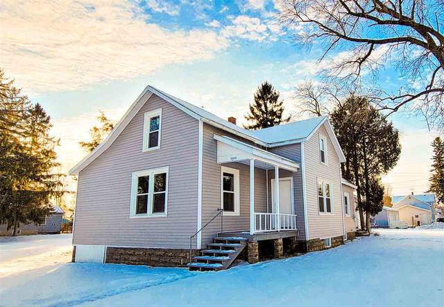 1002 Madison Street, Oconto, WI 54153 (#50234780) :: Town & Country Real Estate