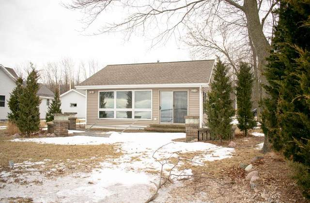 4805 Edgewater Beach Road, Green Bay, WI 54311 (#50234812) :: Symes Realty, LLC