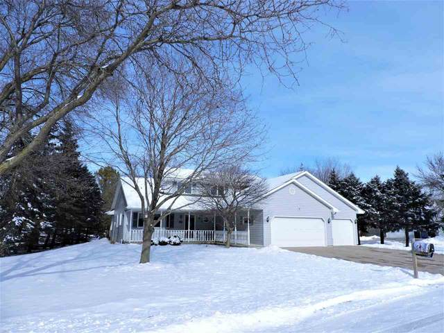 719 E River Drive, Omro, WI 54963 (#50234906) :: Town & Country Real Estate