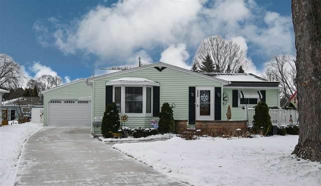 555 Blackhawk Drive, Green Bay, WI 54301 (#50234911) :: Symes Realty, LLC