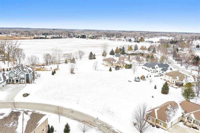 1098 Crown Pointe Circle, Suamico, WI 54173 (#50234948) :: Town & Country Real Estate