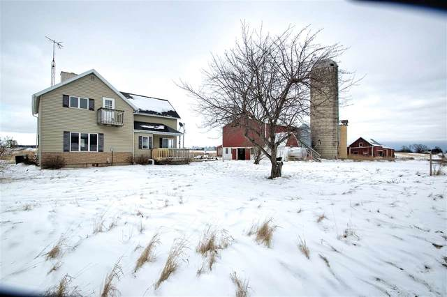 7726 W Hillcrest Road, Manitowoc, WI 54220 (#50235001) :: Town & Country Real Estate