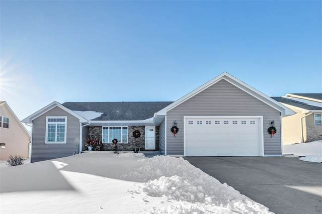 2083 Luxury Drive, Green Bay, WI 54313 (#50235120) :: Town & Country Real Estate