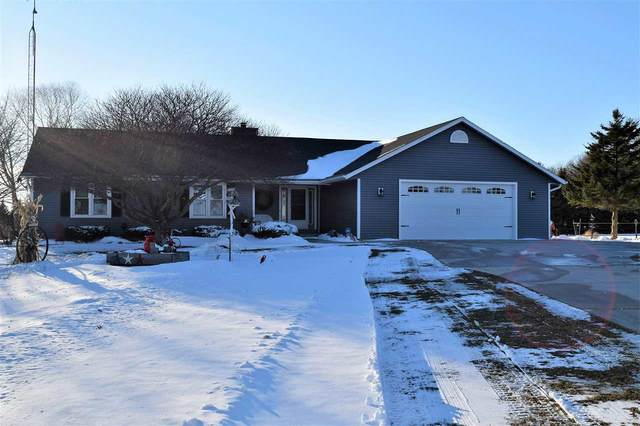 W10116 Triple Kay Road, Rosendale, WI 54974 (#50235152) :: Town & Country Real Estate