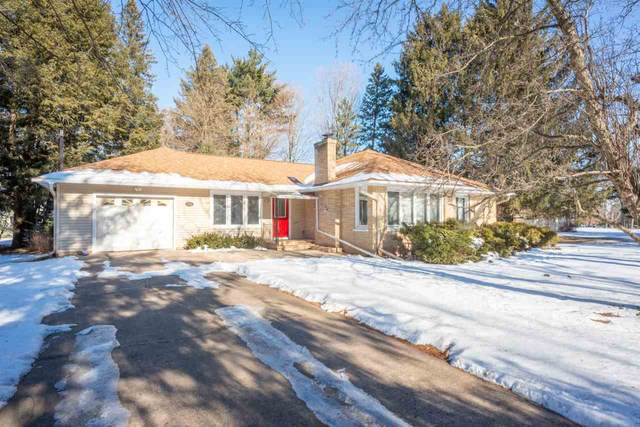 206 E South Street, Weyauwega, WI 54983 (#50235353) :: Town & Country Real Estate