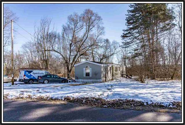 E8127 Weyauwega Road, New London, WI 54961 (#50235393) :: Town & Country Real Estate
