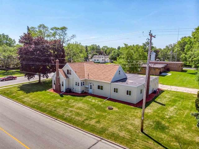 407 S St Augustine Street, Pulaski, WI 54162 (#50235408) :: Carolyn Stark Real Estate Team