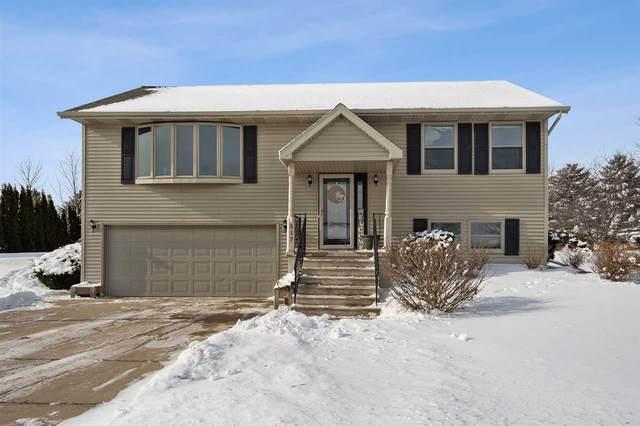 517 Prairie Lane, Luxemburg, WI 54217 (#50235489) :: Town & Country Real Estate