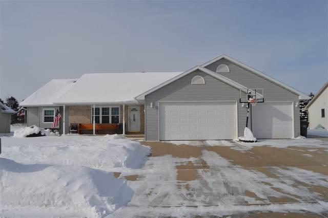 1833 Travis Lane, Kaukauna, WI 54130 (#50235493) :: Town & Country Real Estate