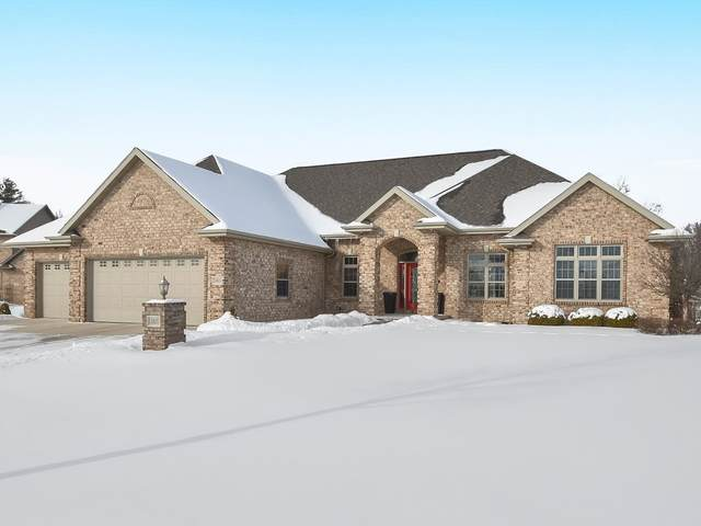 2825 Creekwood Circle, Green Bay, WI 54311 (#50235620) :: Town & Country Real Estate